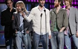 Maroon 5. Фото с сайта stars.in.ua
