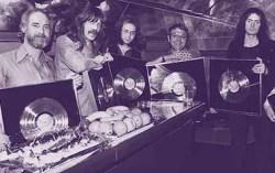 Эдвардс (крайний слева) и Deep Purple. Фото предоставлено организаторами