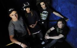 Tokio Hotel. Фото с сайта stars.in.ua