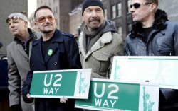 U2. Фото с сайта monstersandcritics.com