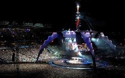 Сцена тура U2. Фото с сайта paper.li