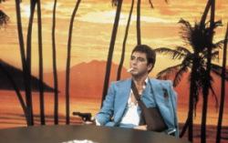 Кадр из фильма «Лицо со шрамом» 1983 года