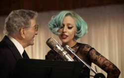 Беннетт и Lady Gaga. Кадр из клипа