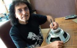 Тони Айомми. Фото с сайта drugmetal.ru