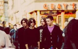Arctic Monkeys. Фото с сайта lookatme.ru
