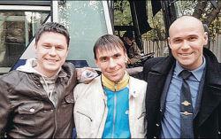 Шарошкин в центре. Фото с сайта amic.ru