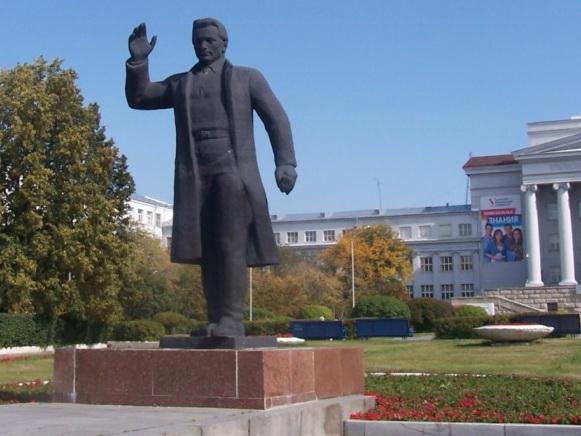 Площадь им. С. М. Кирова